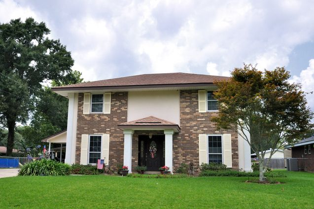 Luling Homes for Sale - Photo 1