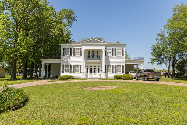 Pascagoula Real Estate - Photo 2