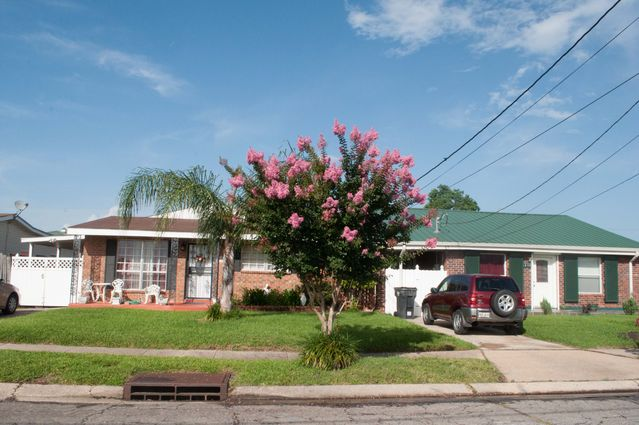 Gentilly Woods Real Estate - Photo 2