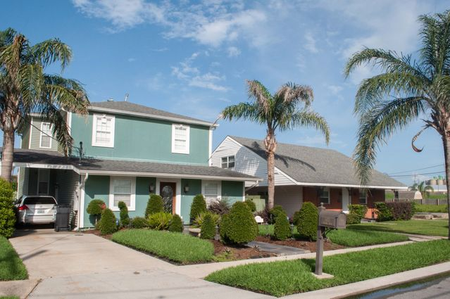 Gentilly Woods Homes for Sale - Photo 3