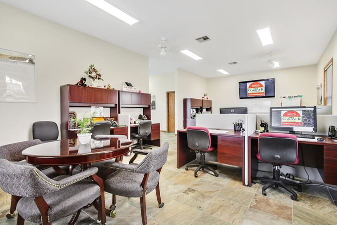 LaPlace - Real Estate Office
