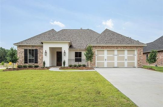 425 COTTONWOOD CREEK LN Covington, LA 70433 - Image 2