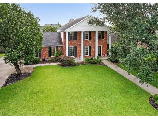 Photo of 3705 LAKE CATHERINE DR Harvey, LA 70058