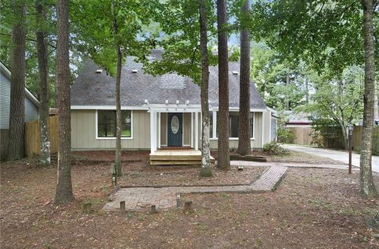 708 WILLOW OAK Lane Mandeville, LA 70471 - Image 1