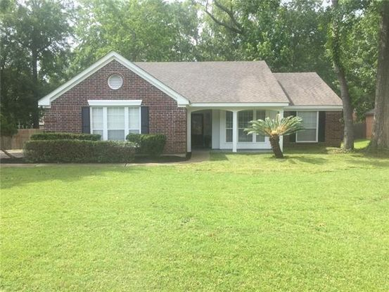 Photo of 1010 LIVE OAK LOOP Mandeville, LA 70448