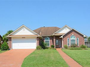 1621 LAKE SALVADOR Drive Harvey, LA 70058 - Image 1