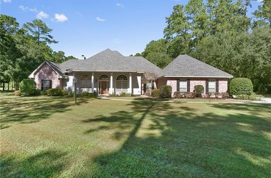 152 COUNTRY CLUB DR Covington, LA 70433 - Image 2