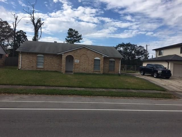 2331 HOLIDAY Drive New Orleans, LA 70114 - Image