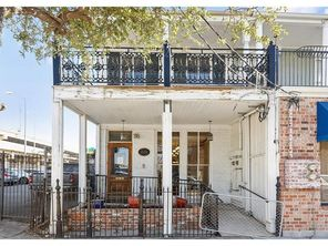 1124 ST CHARLES Avenue - Image 2
