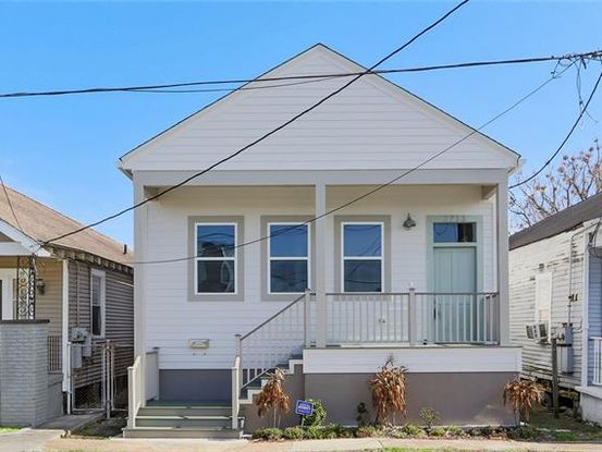 Photo of 2733 PENISTON Street New Orleans, LA 70115