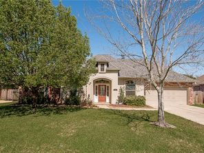 350 RED MAPLE Drive - Image 3