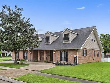 4725 SHORES Drive Metairie, LA 70006