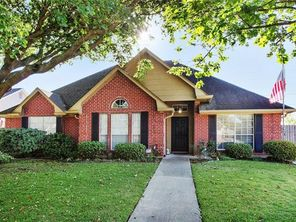 2252 COUNTRY CLUB Drive - Image 3