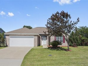 2206 SUMMERTREE Drive - Image 2