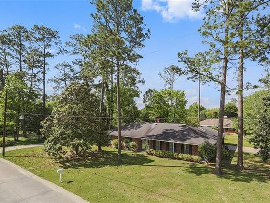 Photo of 202 COUNTRY CLUB Boulevard Slidell, LA 70458