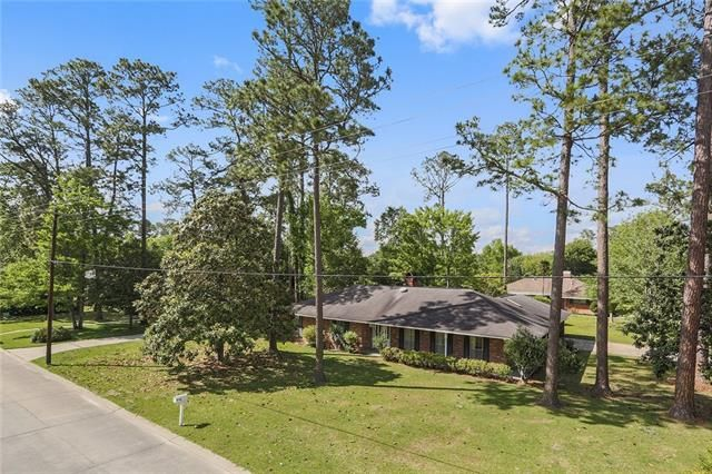 202 COUNTRY CLUB Boulevard Slidell, LA 70458 - Image