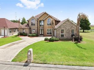 1721 WEDGWOOD Drive Harvey, LA 70058 - Image 1