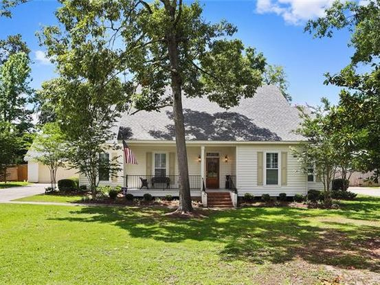 Photo of 530 BEAU CHENE Drive Mandeville, LA 70471