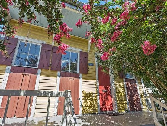 Photo of 1830 CONSTANTINOPLE Street New Orleans, LA 70115