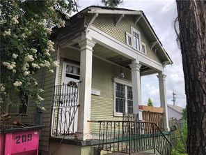 819 N ROBERTSON Street - Image 1