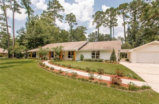 15 BLUEBIRD Road Covington, LA 70433 - Image 1