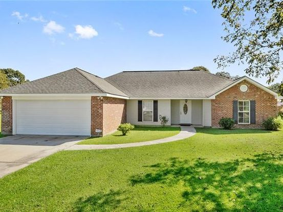 Photo of 12 BRENTWOOD Drive Picayune, MS 39466