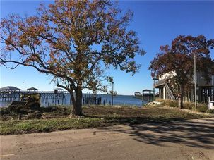 311 LAKEVIEW Drive Slidell, LA 70458 - Image 1