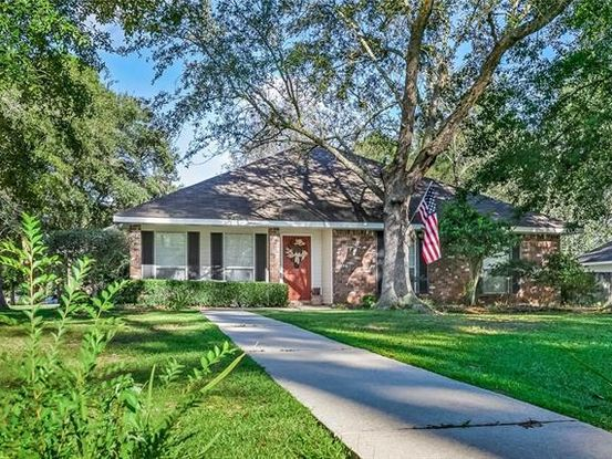 Photo of 199 CHEROKEE Drive Abita Springs, LA 70420