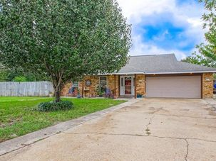 216 LAKE MICHIGAN Drive Slidell, LA 70461 - Image 1