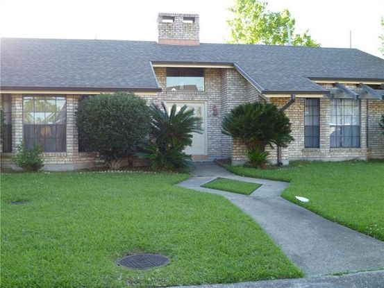 Photo of 1112 OLDE OAKS Drive Westwego, LA 70094