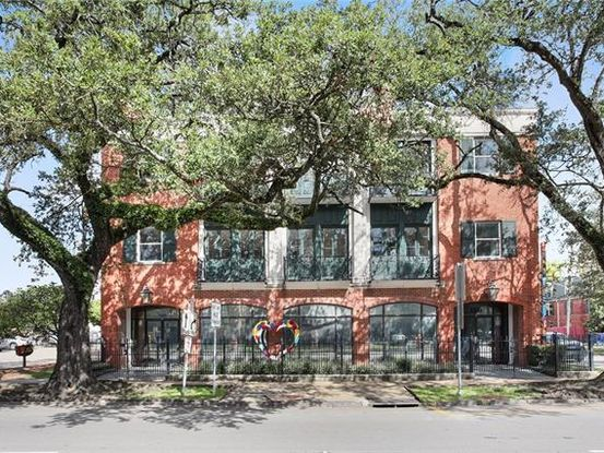 Photo of 3305 ST. CHARLES Avenue A New Orleans, LA 70115