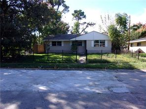 3411 LANCASTER Street - Image 2