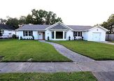 438 HIGHWAY Drive Jefferson, LA 70121