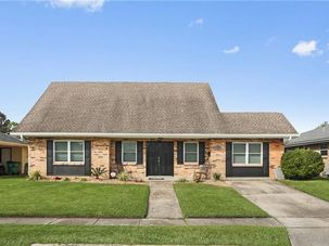 740 HUCKLEBERRY Lane Terrytown, LA 70056 - Image 4