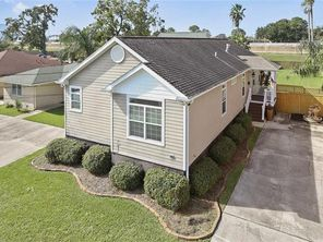 6238 BELLAIRE Drive - Image 2