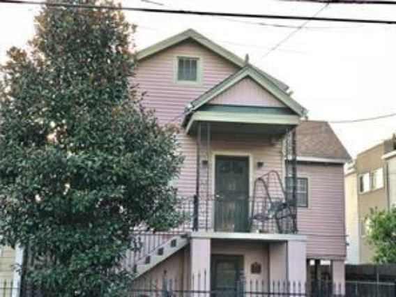 1735 DELACHAISE Street New Orleans, LA 70115