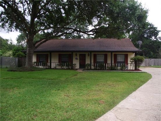 Photo of 201 LAKE SABINE Court Slidell, LA 70461