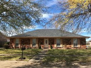 2109 COLONIAL Drive - Image 1