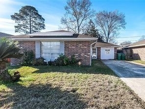 2917 WILLIAMSBURG Drive - Image 1