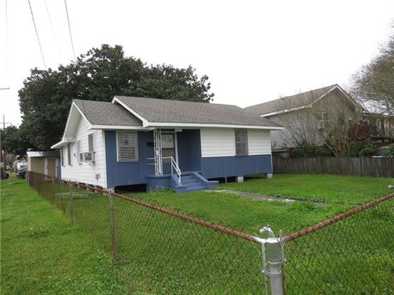 Photo of 1060 AVENUE D Westwego, LA 70094