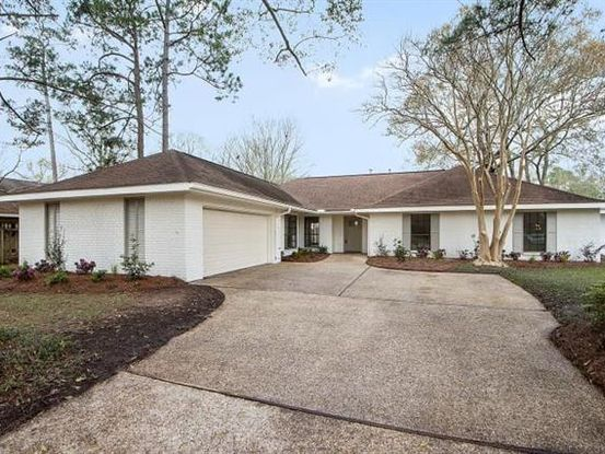 Photo of 556 BARBARA Place Mandeville, LA 70448