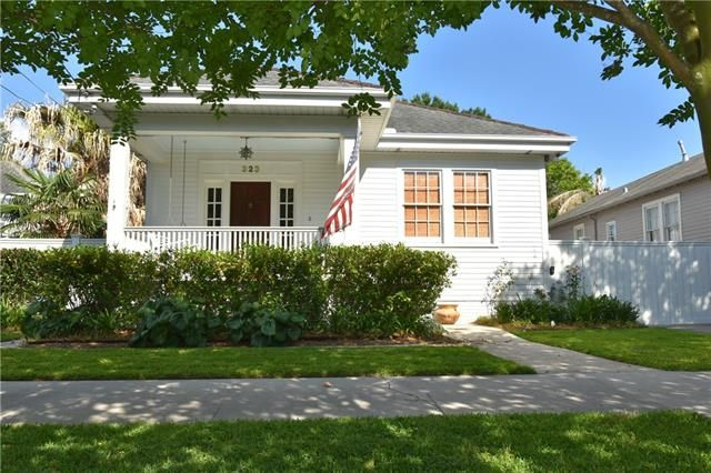 323 HENRY CLAY Avenue New Orleans, LA 70118