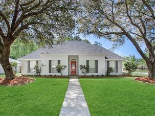 102 WOODCREST Drive Covington, LA 70433 - Image 2