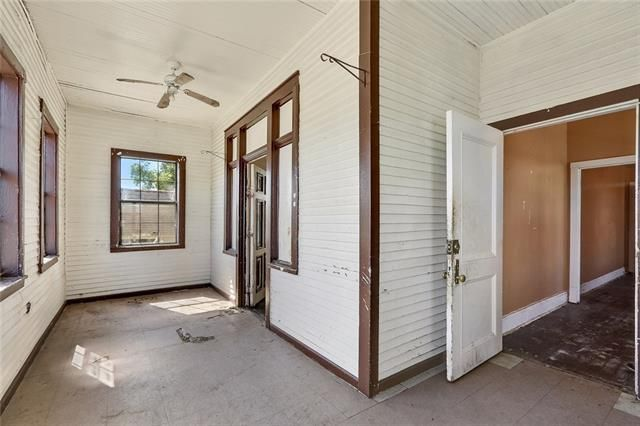 3818 CLEMATIS Street - Photo 3