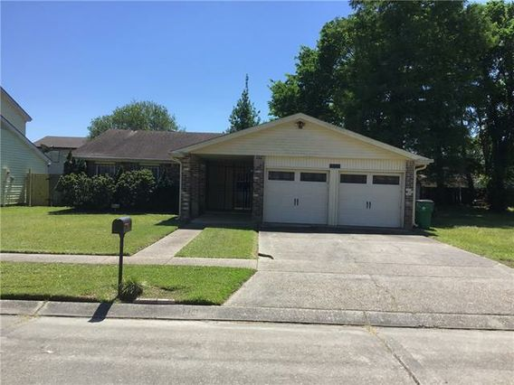 3835 S DEERWOOD Drive Harvey, LA 70058