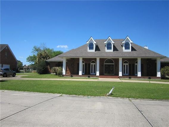 3612 LAKE MICHEL Court Gretna, LA 70056