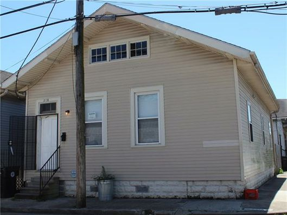 2136 TOLEDANO Street New Orleans, LA 70115