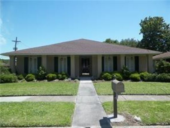 4244 CALIFORNIA Avenue Kenner, LA 70065