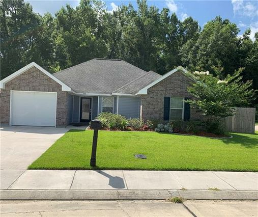 223 ALLIE Lane Luling, LA 70070