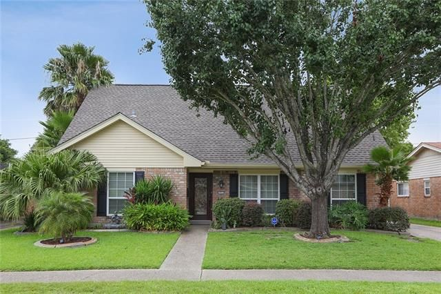 1511 HOLIDAY Place New Orleans, LA 70114